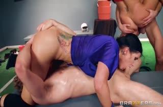 Непристойное групповое порно с пошлыми телками №2634 4