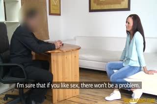 Симпатичная телочка пробует себя в порнуху №751