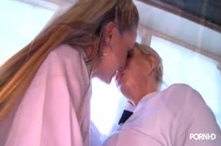 Красавицы лесбиянки доставили себе оргазмы №3875 1