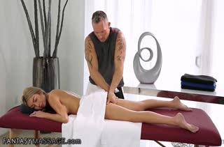 Скачать порно видео снятое прямо на массаже №3699